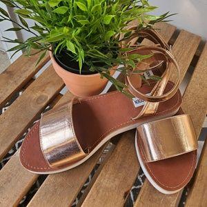 STEVE MADDEN Rose Gold wedge Sandals